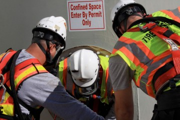 Confined Space Attendant and Rescuers